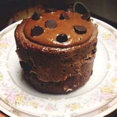 Chocolate Protein Mug Cake! 1 scoop chocolate whey protein, 1 tbsp oats, 2 tsp cocoa powder, 1 tsp stevia, 1 egg white tbsp from carton + 3 tbsp almond milk) Microwave 45 Sec. Whey Protein Recipes, Protein Powder Recipes, Coconut Protein, Mug Recipes, Sweet Recipes, Snack Recipes, Protein Cupcakes, Protein Muffins, Protein Cookies
