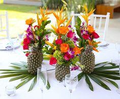 Ananas theme deco mariage - deco de table - fleurs exotiques