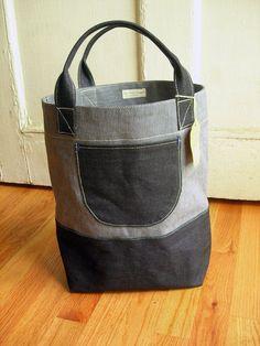 Practico bolso para llevar tejidos o ir a cursos