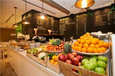 Sophie's: Dubai's Popular Home-Style Café Now Serving Breakfast - Khaleejesque Healthy Cafe, Healthy Recipes, Healthy Food, Coffee Shop, Salad Packaging, Decoration Restaurant, Cafe Counter, Dubai, Dressing For Fruit Salad