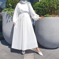 10 Ideas Fashion Hijab Muslim For Ideas Modest Fashion Hijab, Modern Hijab Fashion, Street Hijab Fashion, Hijab Fashion Inspiration, Muslim Fashion, Fashion Outfits, Fashion Trends, Hijab Chic, Hijab Dress