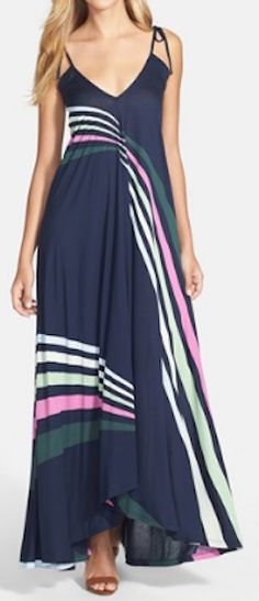 Love the contoured stripes on this maxi dress http://rstyle.me/n/ktfadnyg6