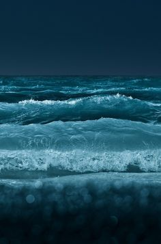 Waves at night. Sea And Ocean, Ocean Beach, Ocean Waves, The Sea, No Wave, Water Photography, Photography Gallery, Night Photography, Color Photography