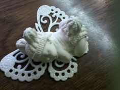 grezzo bimbo di polvere di ceramic su farfalla in crepla glitterata grande 7 cm