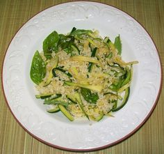 """Spaghetti """"al contrario"""" di zucchine con sugo di miglio - Pag. 76 - Il grande libro delle ricette per la dieta dei gruppi sanguigni - Marilena D'Onofrio - L'Età dell'Acquario"""