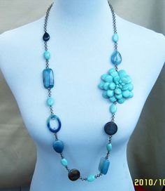 beadwork necklacebib necklacestatement por audreyjewelry en Etsy, $19.50