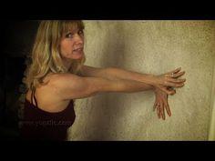 Can yoga help carpal tunnel syndrome ? Yoga poses for carpal tunnel syndrome. Carpal Tunnel Relief, Carpal Tunnel Syndrome, Carpal Tunnel Exercises, Yoga Exercises, Yoga Fitness, Health Fitness, Pilates, Spine Health, Yoga Videos