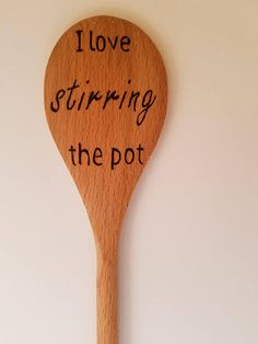 """Wooden """"I Love Stirring the Pot"""" Wood Burned Cooking Spoons,Wooden """"I Love Stirring the Pot"""" Wood Burned Cooking Spoons What's wood burning ? The pine burnt by covering approach by moving a photo on wood is kno. Wood Burning Tips, Wood Burning Crafts, Wood Burning Patterns, Wooden Spoon Crafts, Wood Spoon, Wood Crafts, Diy Wood, Wood Projects, Woodworking Projects"""