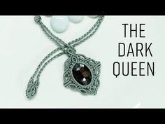 Macrame necklace tutorial – The Dark queen – Instructions to tie a chain with wax cord li Diy Macrame Necklace Tutorial, Tutorial Colar, Micro Macrame Tutorial, Diy Necklace, Collar Macrame, Macrame Colar, Macrame Knots, Macrame Bracelets, Dark Queen