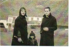"""Andreas und Ello: Andreas Baader mit seiner früheren Freundin Ello Michel und deren Sohn Robert im Jahr 1964 in Berlin: """"Du weiß genau, dass ein Kerl wie ich Puder braucht..."""""""