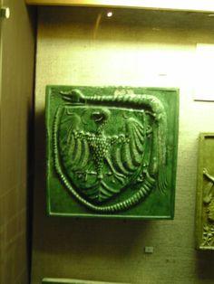Sasos címeres kályhacsempe - Budapesti Történeti Múzeum