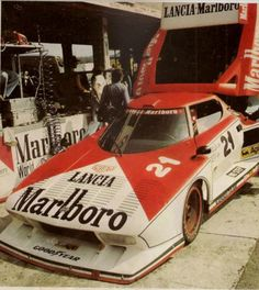 1976 - Stratos Turbo - Brambilla Facett Shared by Motorcycle Fairings - Motocc Sports Car Racing, Sport Cars, Race Cars, Auto Racing, Classic Motors, Classic Cars, Vehicle Signage, Skates, Vintage Race Car