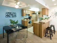 Full Size Washer and Dryer Available, Pet Friendly, Large Roomy Floorplans, 24 Hr Fitness Center, Pool and Spa.    http://www.midtownonmain.com/