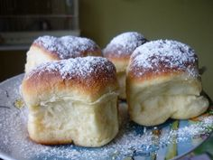 Zaručené ozkoušené honzovky - výborné i po dvou dnech Challa Bread, Sweet Recipes, Cake Recipes, Czech Recipes, How To Make Bread, Bakery, Food And Drink, Cooking Recipes, Yummy Food