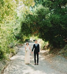 Beautiful 1920s/30s style wedding dress. From- Great Gatsby Rustic Wedding: Erin + Parker – Part 1