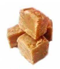This is the best recipe for creamy and delicious peanut butter fudge I have ever used. It is great for sharing at work. Modified from: Easiest Peanut Butter Fudge Fudge Recipes, Candy Recipes, Sweet Recipes, Rice Recipes, Köstliche Desserts, Dessert Recipes, Microwave Desserts, Good Food, Yummy Food