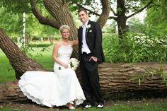 Cute Bride & Groom Pose- Brittany Lynn Studios, Chicago Illinois