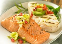 This combo includes our Alaskan Halibut and Sockeye Salmon. There are an equal number of individually vacuum-sealed 6 oz portions of our skinless-boneless, light, lean young white Halibut, and our robust wild red Salmon. Salmon Nutrition Facts, Organic Salmon, Salmon Marinade, Sustainable Seafood, Organic Recipes, Ethnic Recipes, Sockeye Salmon, Fatty Fish, Halibut