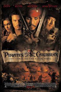 Pirates Of The Caribbean: The Curse Of The Black Pearl (2003) . Ο πειρατής Τζακ Σπάροου και ο Γουίλ Τέρνερ αναζητούν το «Μαύρο Μαργαριτάρι», το καταραμένο πλοίο του πειρατή Μπαρμπαρόσα. Ο τελευταίος έχει απαγάγει την κόρη του πειρατή, την Ελίζαμπεθ, η οποία έχει μαζί της το μαγικό φυλακτό. Ο Μπαρμπαρόσα ελπίζει να απαλλαχθεί από μια κατάρα που τον έχει μετατρέψει σε νεκροζώντανο, προηγουμένως όμως απαιτείται η θυσία της Ελίζαμπεθ.
