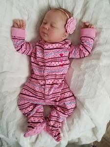Reborns doll nursery featuring top reborn artists and hundreds of reborn baby dolls. Plush Craft, Sunflower Dress, Reborn Baby Dolls, Pink White, Babies Nursery, Porcelain, Kids, Crafts, Clothes