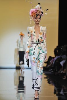 Giorgio Armani Prive Fall 2011 Couture. I WANT THIS FROM HEAD TO TOE