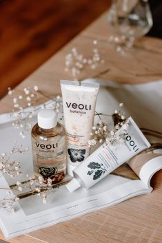 Veoli Botanica is a cruelty-free & vegan brand from Poland, it's quite a young brand but it already got me. I want to show you today Veoli Botanica Gommage Face Mask and tell you more about gommage masks because you probably use them wrong and they c Beauty Skin, Beauty Care, Hair And Beauty, Beauty Hacks, Skin Tags On Face, Skin Care Routine For Teens, Clear Skin Tips, Fotos Do Instagram, Diy Skin Care