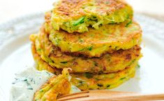 Here& a tasty twist on breakfast: Try SlimGenics zucchini pancakes using our Thermo-Snack Pretzel Twists! Zucchini Pancakes, Zucchini Fritters, Corn Fritters, Vegetarian Recipes, Cooking Recipes, Healthy Recipes, Slimgenics Recipes, Zucchini Puffer, Good Food