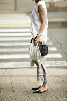 Neutral with black slides and bag