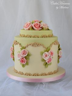 CakesDecor - a place for people who love cake decorating. Beautiful Cake Designs, Gorgeous Cakes, Pretty Cakes, Amazing Cakes, Unique Cakes, Elegant Cakes, Creative Cakes, Just Cakes, Floral Cake