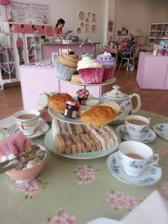 Afternoon tea for two with a extra cupcake and tea!