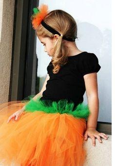 [draft_lens12559081module113452001photo_1281077765Little_Miss_Pumpkin_Tutu[5].jpg]