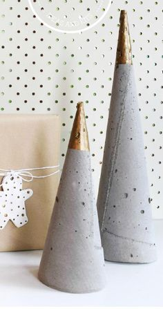 It's Christmas time Join us on our first Christmas issue where we showcase a collection of designers works for the festive season. Plus enjoy our huge gift guide with everything you need.