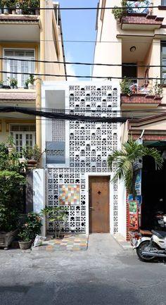 Arch House, Facade House, Minimalist House Design, Modern House Design, Interior Exterior, Exterior Design, Small House Exteriors, Narrow House, Modern Architects