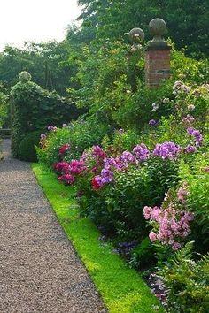 Wollerton Old Hall garden, uncredited photo