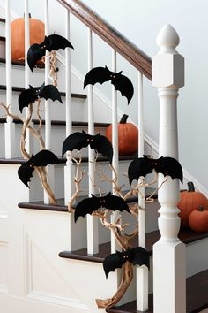 Hallowen Party Easy Halloween Decorations You Need for This Year& Party Make your home. , Easy Halloween Decorations You Need for This Year& Party Make your home. Easy Halloween Decorations You Need for This Year& Party . Spooky Halloween, Halloween Tisch, Easy Halloween Decorations, Dollar Store Halloween, Halloween Home Decor, Halloween Season, Halloween Party Decor, Holidays Halloween, Halloween Crafts