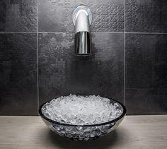 LEMAYMICHAUD | Quebec | Architecture | Interior Design | Spa | Sink | Bathroom | Restroom | Tiling | Faucet Spa, Steam Room, Bay Window, Interiores Design, Architecture Design, Relax, The Calm, Architecture Layout, Keep Calm