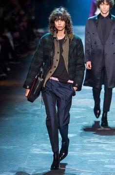 Berluti Fall 2017 Menswear Fashion Show Hipster Grunge, Grunge Goth, Mens Fashion Week, Fashion Show, Womens Fashion, Over The Top, Rockabilly, Street Style Vintage, Fashion Identity