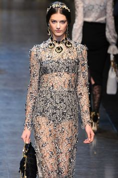 deus-e-x-machina:    Katryn Kruger at Dolce & Gabbana FW 12