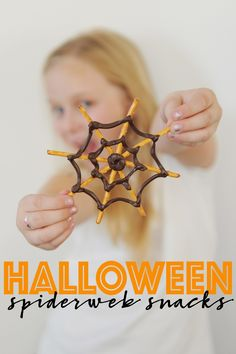 The adorable DIY Halloween spiderweb snacks are super easy to make and the kids will love them! Just about 5 minutes and 2 ingredients is all you need. Get the easy tutorial on the blog. #Halloween #HalloweenSnacks #HalloweenFoodIdeas #HalloweenParty #DIYHalloween #PinkPeppermintDesign