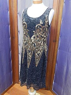 Beautiful hand beaded Art deco dresses. Art Deco Dress, Bead Art, Beautiful Hands, Store, Dresses, Design, Fashion, Vestidos, Moda
