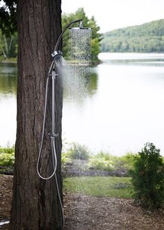 So simple, that I never considered it. The obvious outdoor shower. I have always wanted an outdoor shower! Outdoor Bathrooms, Outdoor Baths, Outside Showers, Outdoor Showers, Outdoor Spaces, Outdoor Living, Jardin Decor, Haus Am See, Lake Life