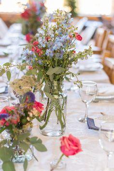http://apracticalwedding.com/2015/04/colorado-mountain-comfort-bed-and-breakfast-wedding/