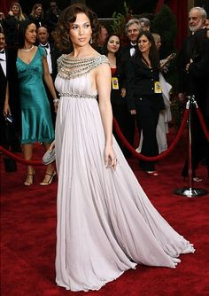 eecf5bc3e65d6 Halle Berry, 2002 - Photos - Oscars fashion: Best red carpet gowns ever