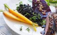De små sorte perler har fået navnet efter den fine, dyre belugakaviar. Marinér dem lune, og spis dem som tilbehør til et lækkert stykke kød, f.eks. honningstegt andebryst. De har en rigtig fin og næsten sprød konsistens