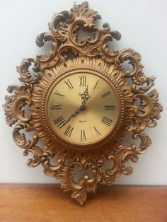 Vintage ornate gold clock Antique Wall Clocks, Wood Clocks, Molduras Vintage, Classic Clocks, Clocks For Sale, Vintage Phones, Wall Clock Online, Stuck, Mirror Painting