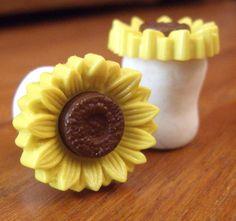 Sunflower Plugs 4g 2g 0g 00g 7/16 1/2 5/8. $12.00, via Etsy.