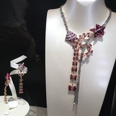 「 The allure of high jewelry, van Cleef & ARPELS  latest collection Cerfs-Volants featuring kite n butterflies motif in rubies w the signature mystery… 」