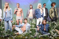COMFORTO. A Calvin Klein lançou suas coleções de Primavera 2016 das linhas de sportswear, jeans, underwear, performance e acessórios, feminino e masculino. www.flashesefatos.com.br