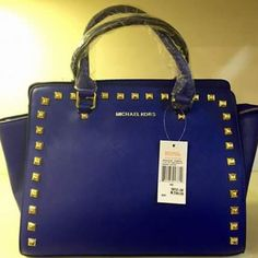 Micheal Kors  Price Rs 3500 Free home delivery Cash on delivery For order contact us on 03122640529