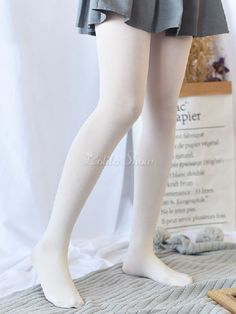 Being the most beautiful Lolita princess, Milanoo White Lolita Pantyhose Velvet Winter Lolita Stocking couples with sweet styles and comfortable materials at affordable prices. Pantyhose Outfits, Nylons, Bustiers, Brunei, White Tights, White Knee High Socks, White Leggings, Trinidad Und Tobago, White Velvet